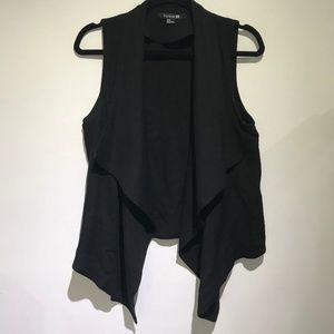 Black Light Flowy Front Vest (F21)